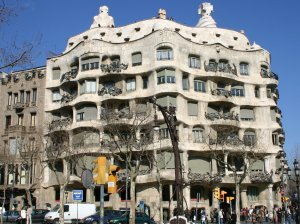 The Casa Mila has curves to look like the cliffs of Barcelona.